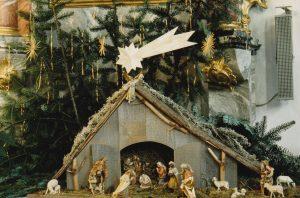 Krippe in der Pfarrkirche Kutzenhausen